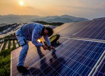 Climate conditions affect solar cell performance more than expected
