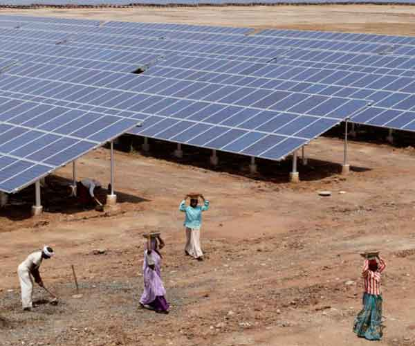 India's-booming-solar-sector